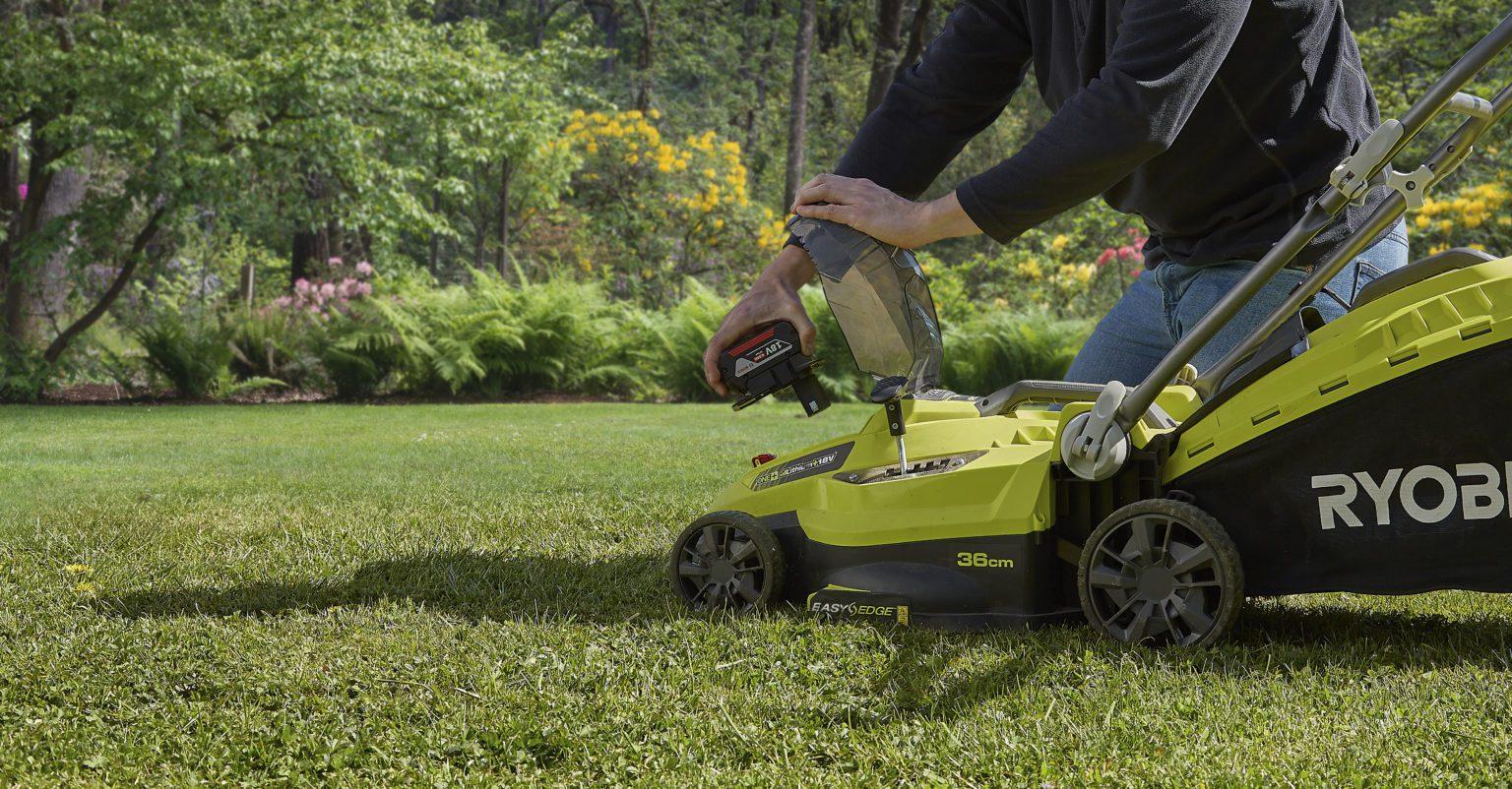 Ryobi One+ lawn mower with Bosch Professional 18V battery